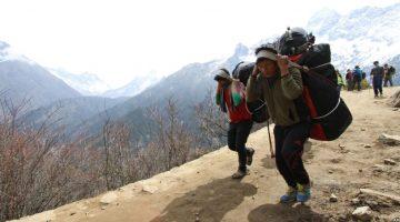 About hiring Porters - Himalayan Nepal