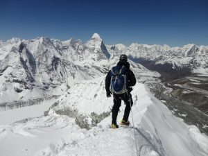 Trekking Peaks of Nepal A trekking peak is a mountain under 7,000 metres (22,970 ft) that is considered climbable by anyone with a moderate amount of mountaineering experience and skills. While some can be climbed without crampons or an ice axe, most require use of this equipment